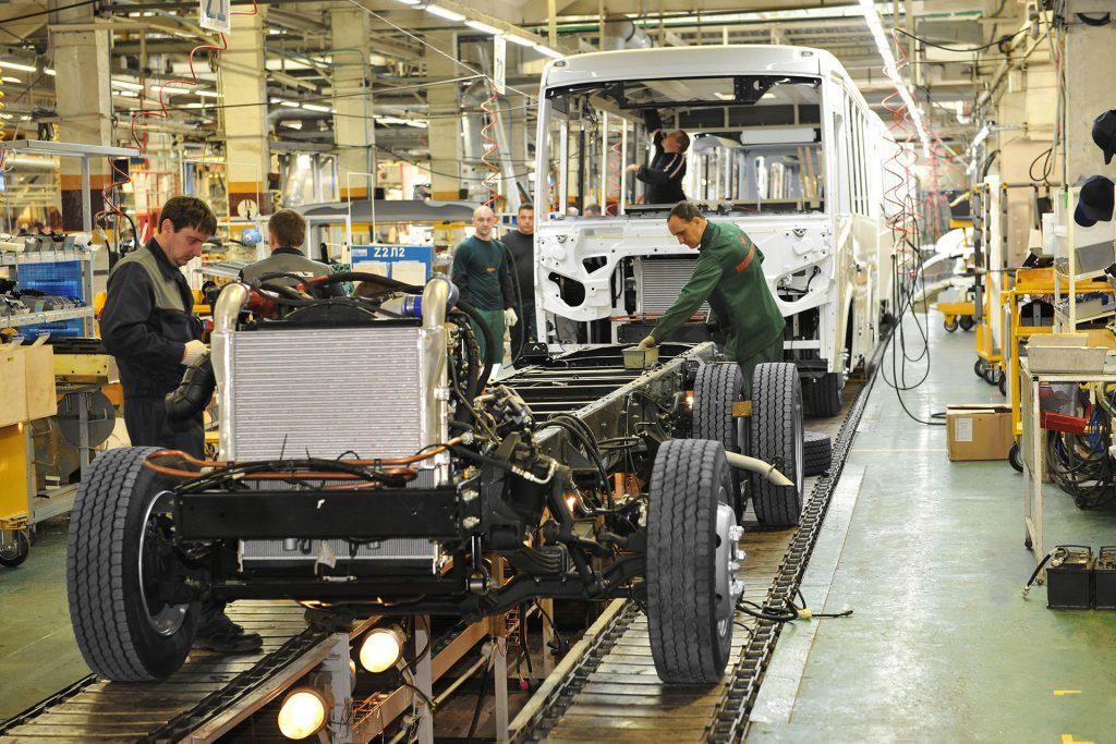 «На ПАЗе катастрофическая ситуация с заказами»: завод переходит на четырехдневку