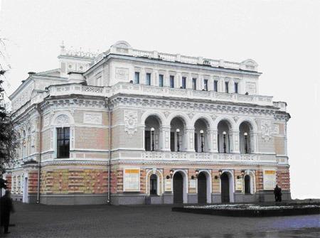 Нижегородский театр драмы собирает старую обувь