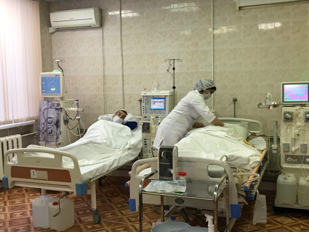 Двух нижегородцев, переболевших коронавирусом, выписали из больницы