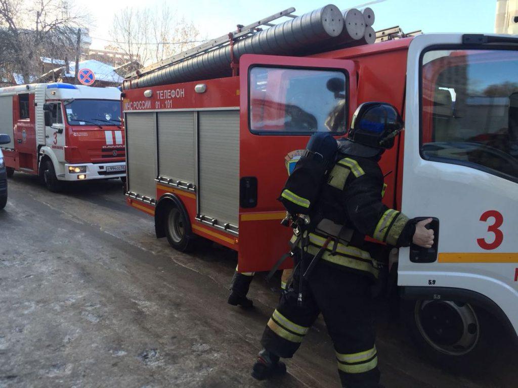 Два человека погибли на пожаре в многоквартирном доме в Городце