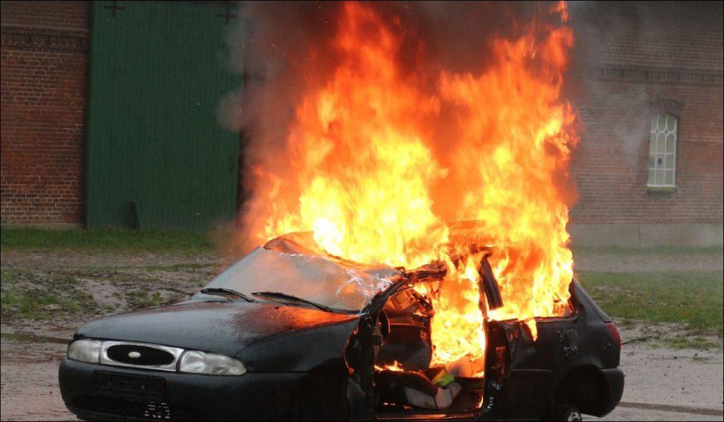 Подросток из мести сжёг автомобиль нижегородца