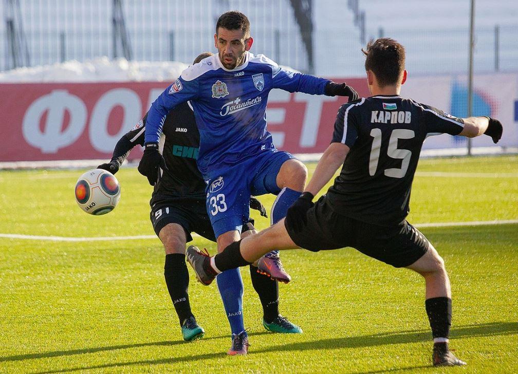 В воскресенье возобновилось первенство России среди команд Футбольной национальной лиги