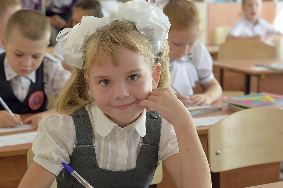 Нижегородцы смогут купить школьную форму без торговой наценки