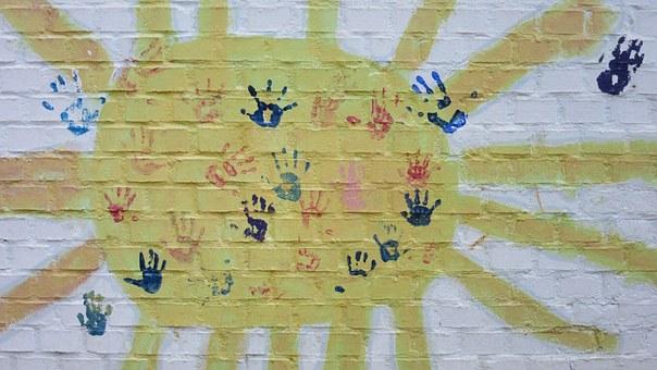 Юные нижегородцы могут принять участие в конкурсе рисунков «Со светофоровой наукой по летним дорогам детства»