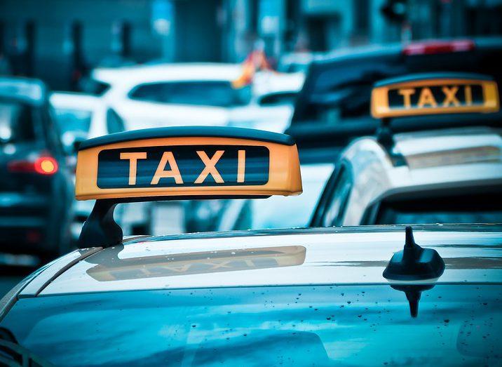 Подростки избили таксиста и угнали его автомобиль на Автозаводе (ВИДЕО)