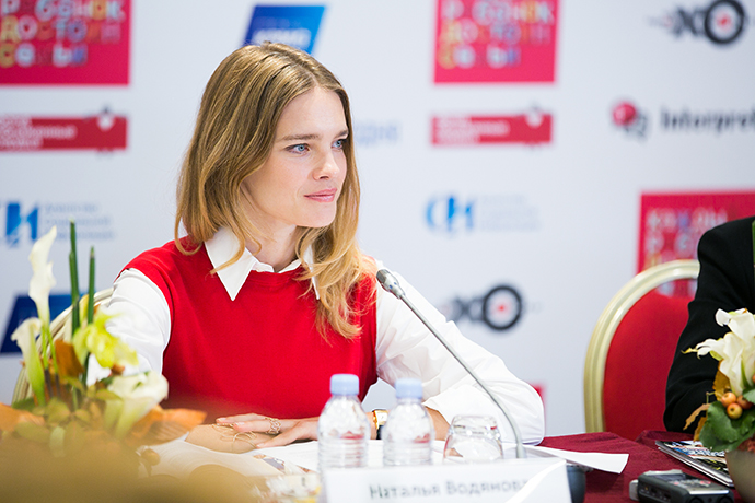 Сын Натальи Водяновой обыграл знаменитую маму в шахматы
