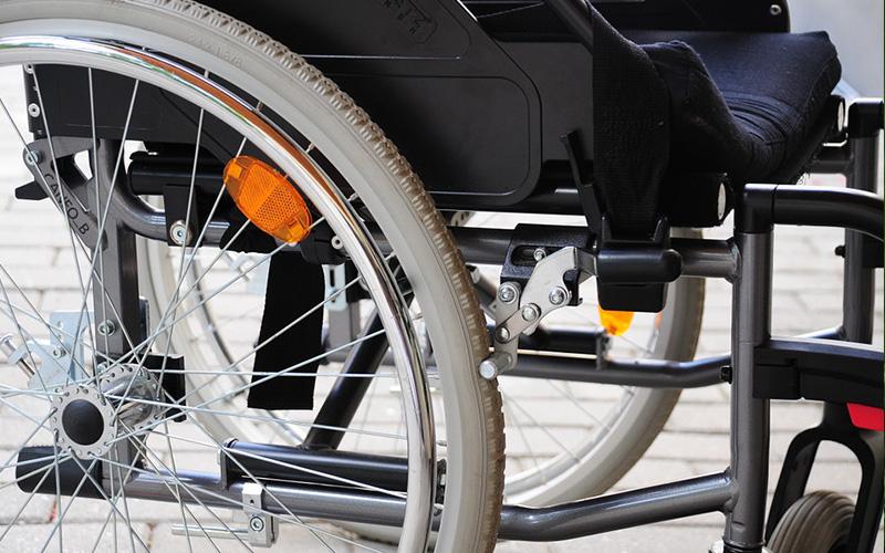 Рособрнадзор до 1 сентября продлит работу «горячей линии» по вопросам приема в вузы инвалидов и лиц с ОВЗ