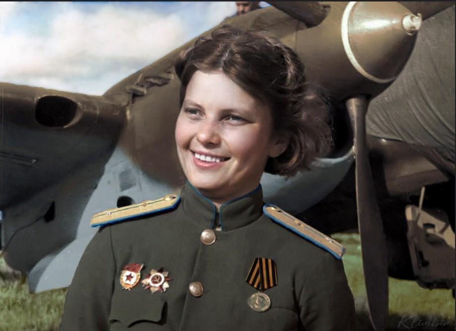 Штурман Людмила Попова