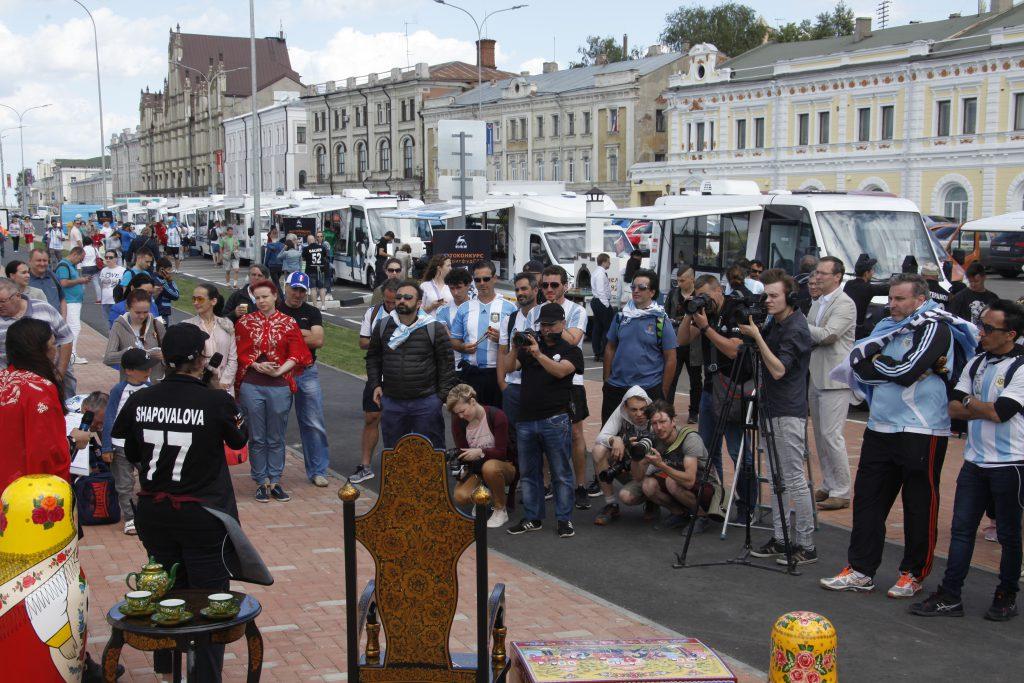 На улице всегда вкуснее: в Нижний Новгород приехали «ГАЗели»-фудтраки