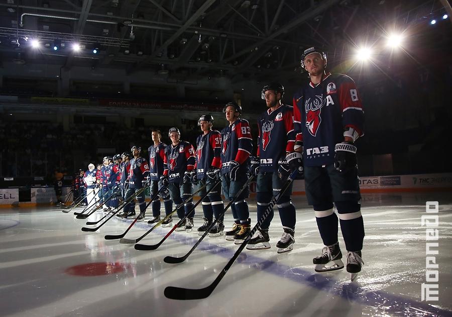 Хоккеисты «Торпедо» и «Динамо» сыграли в благотворительном матче
