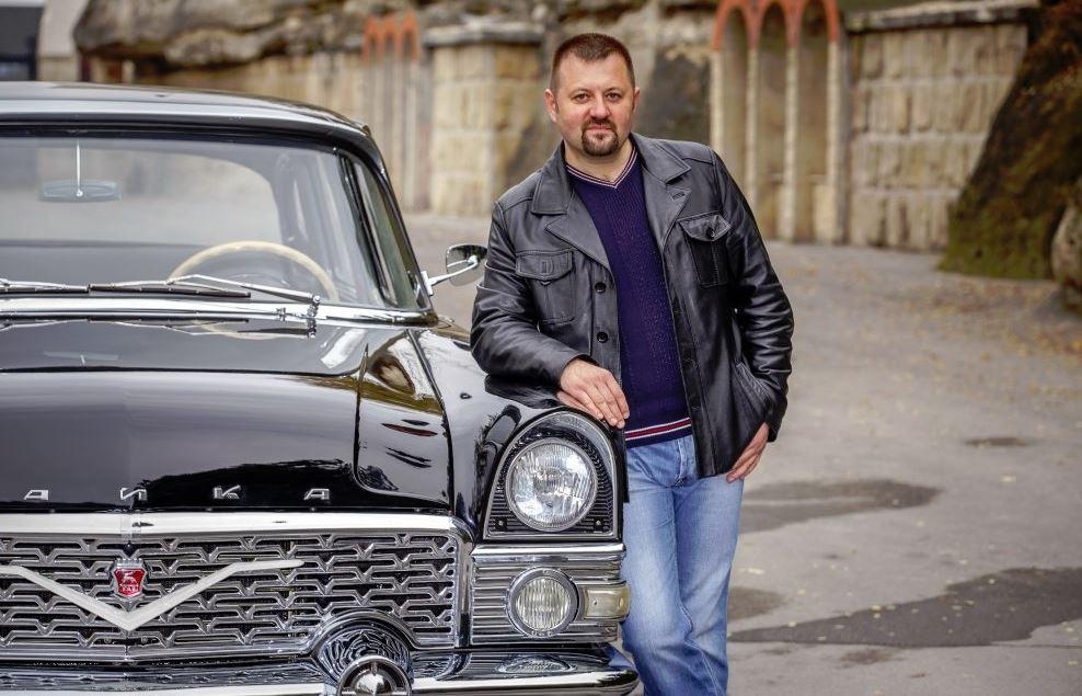 «Чайка» в картинках. Врач из Кишинёва продал машину, чтобы написать книгу о легендарном горьковском автомобиле