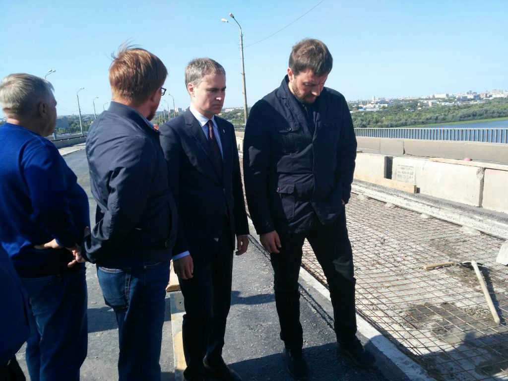 Движение по Мызинскому мосту возобновится в четыре полосы для легкового транспорта