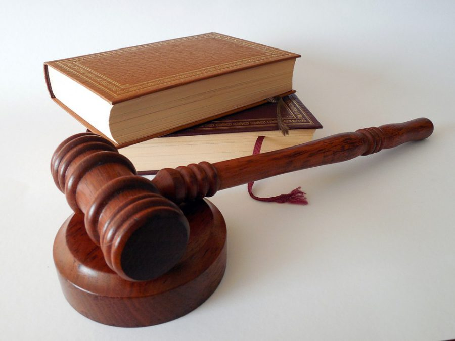 Нижегородский пенсионер заплатит штраф за то, что нецензурно оскорбил дочь соседки