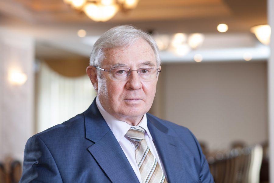 Роман Стронгин