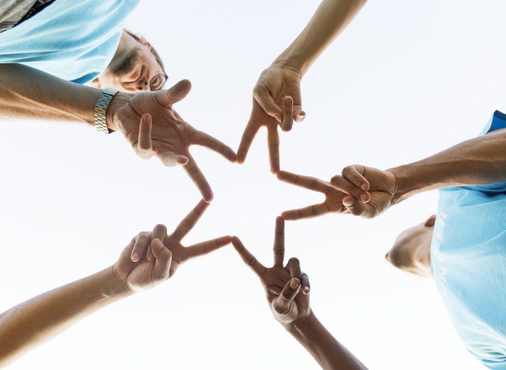 Нижегородцы смогут перечислить средства в благотворительные фонды с помощью платформы «800 добрых дел»