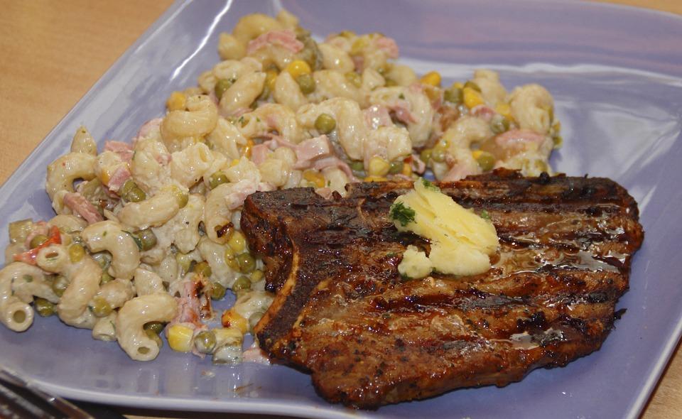 Мясо с вермишелью стало доступнее в Нижегородской области
