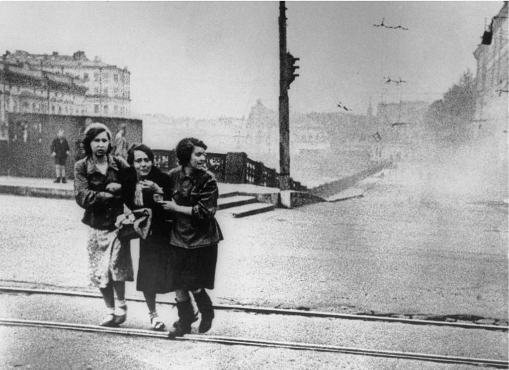 1942. Артобстрел. Аничков мост