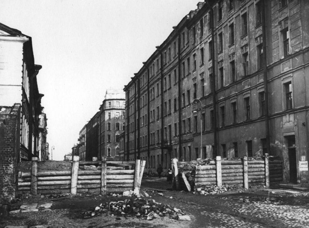 1941. Баррикады на Курской улице в Московском районе