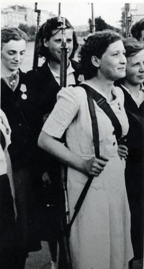 1944. Комсомольцы Московского района