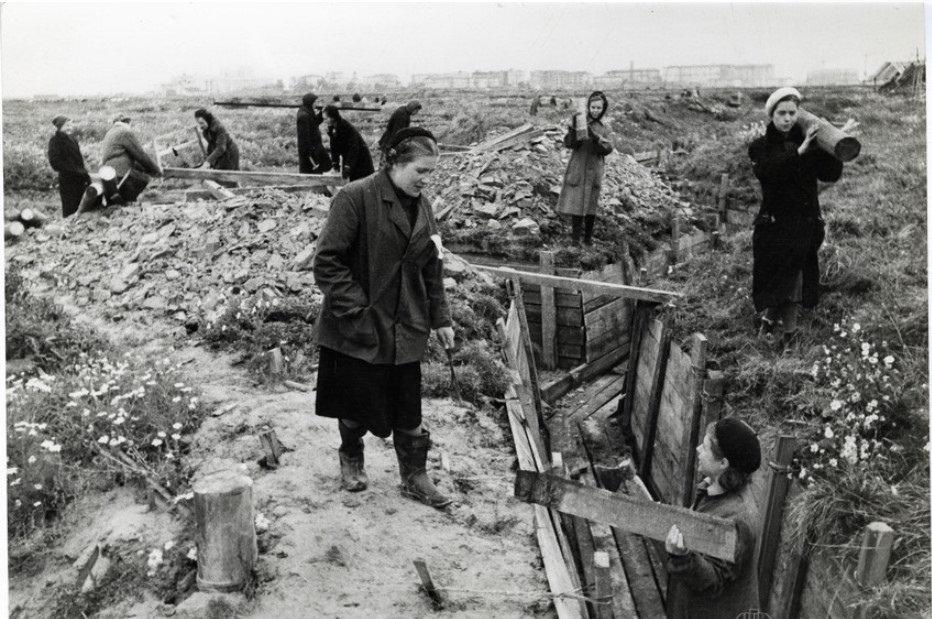 1941. Строительство оборонительных сооружений под Ленинградом
