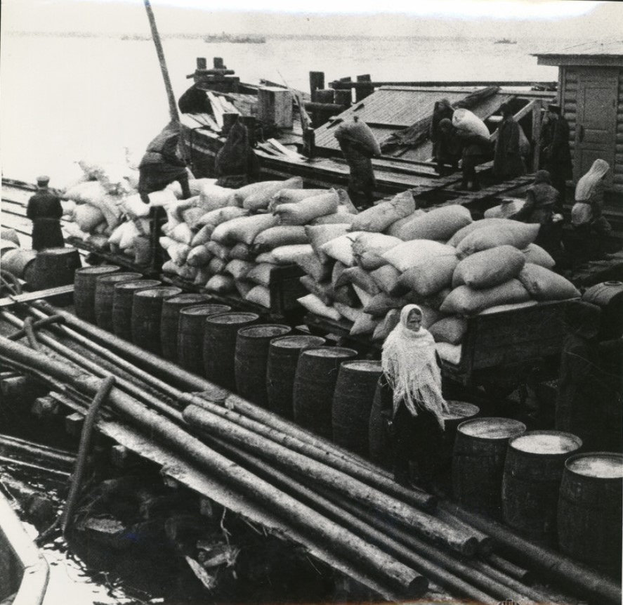 1942. Ладога. Хлеб — Ленинграду