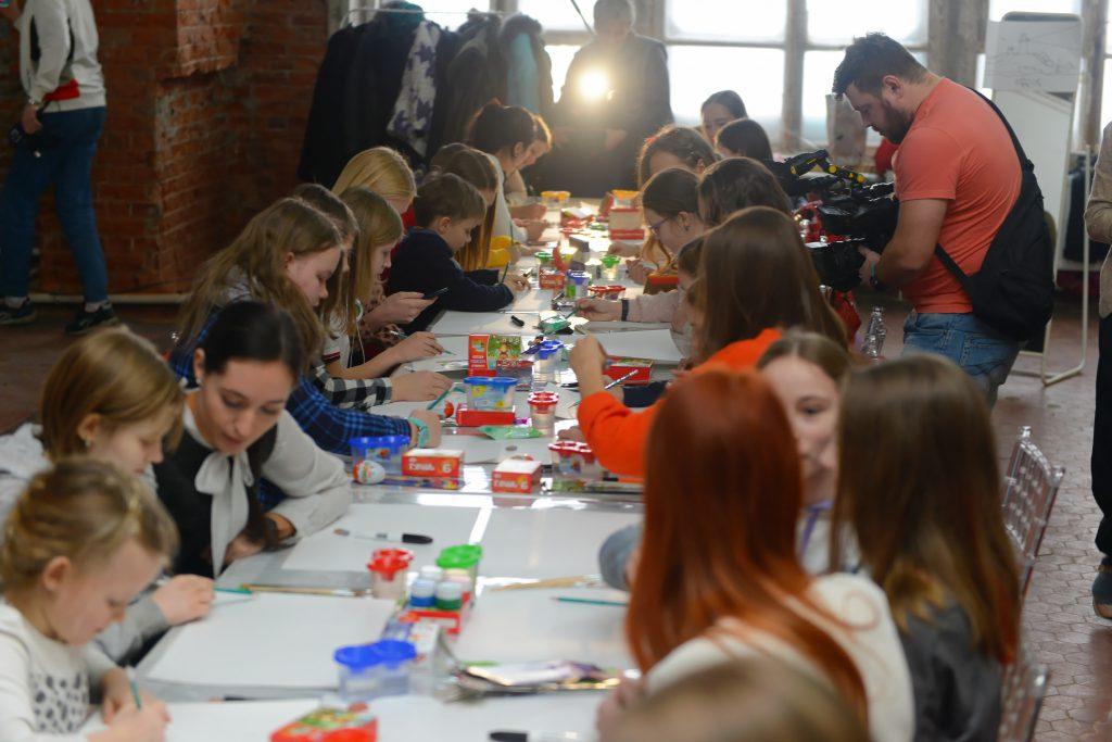 Юные нижегородские художники могут принять участие вконкурсе рисунков «Портрет фронтовой собаки»