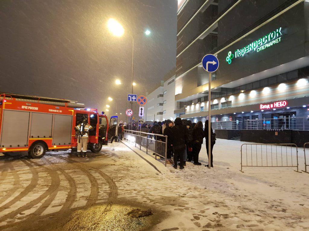 Около 2000 посетителей ТРК «Небо» было эвакуировано из-за пожарной сигнализации