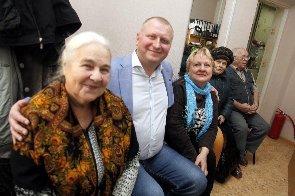 Участник «Лидеров России» помог инвалидам и ветеранам пройти бесплатное медицинское обследование