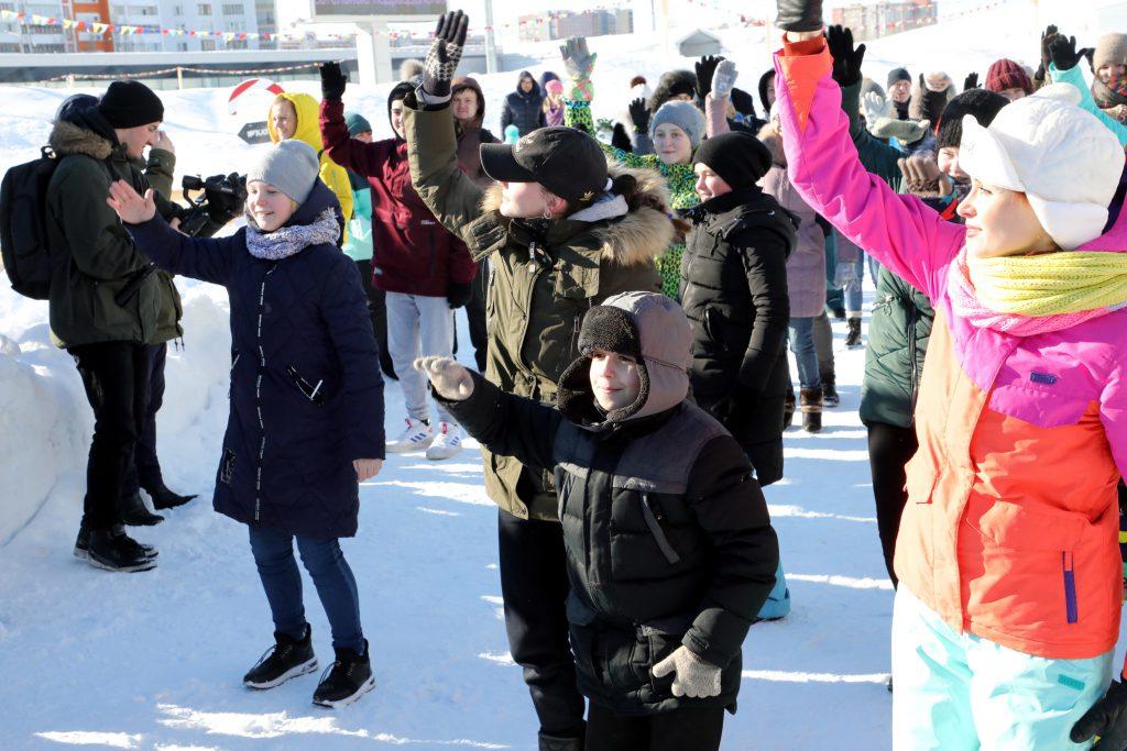 Трое юных нижегородцев научились танцевать и стали главными героями флешмоба на «Зимней сказке»