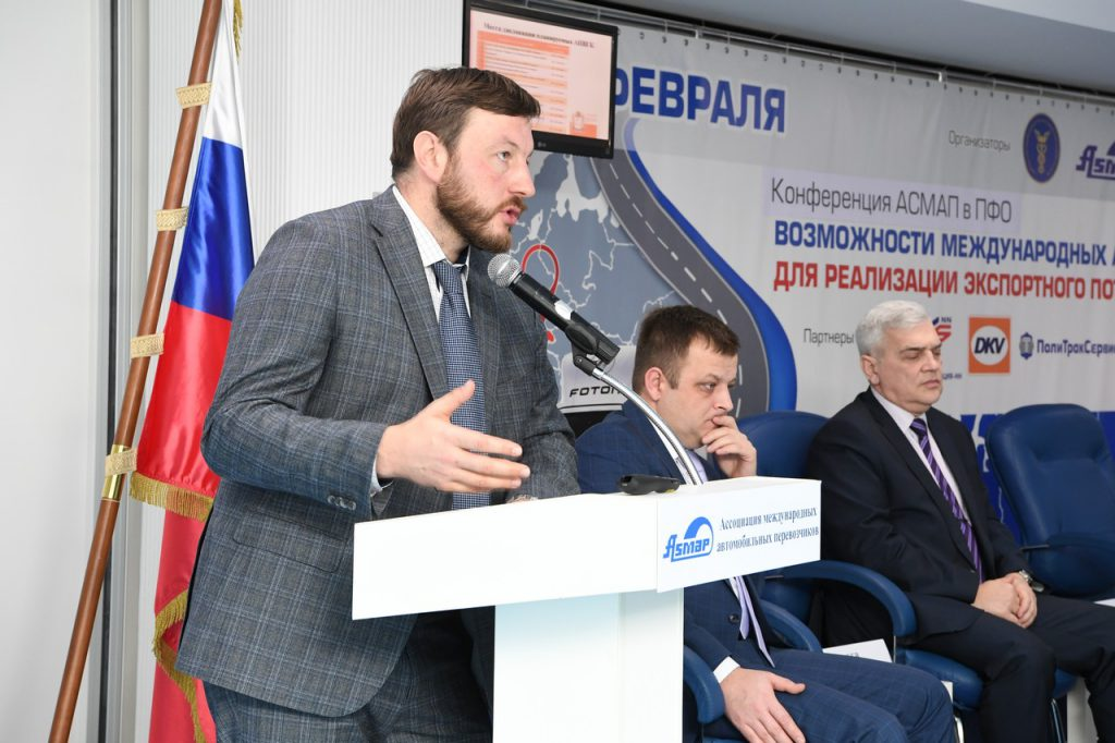 Экс-министр транспорта Вадим Власов останется под стражей до конца декабря
