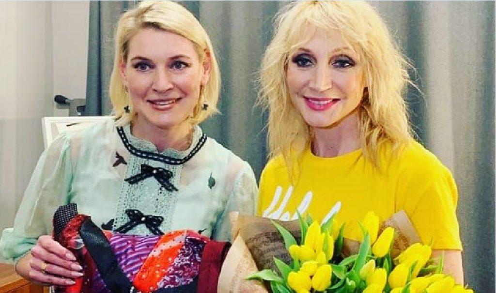 Кристине Орбакайте подарили платье из галстуков в Нижнем Новгороде