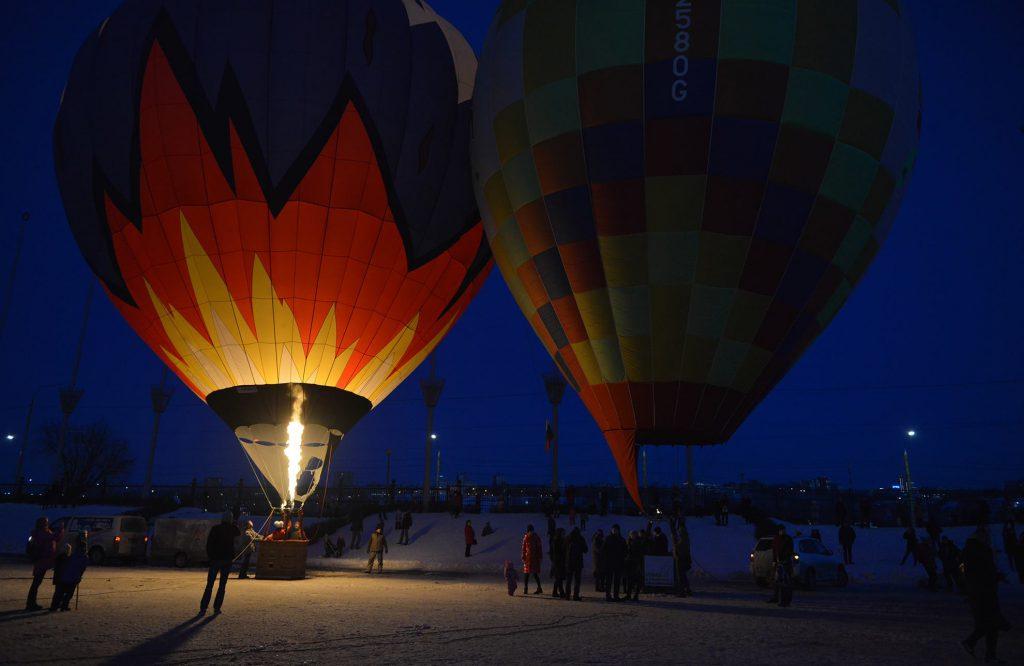 Огонь, воздух и полет. 10 ярких кадров с фиесты воздушных шаров