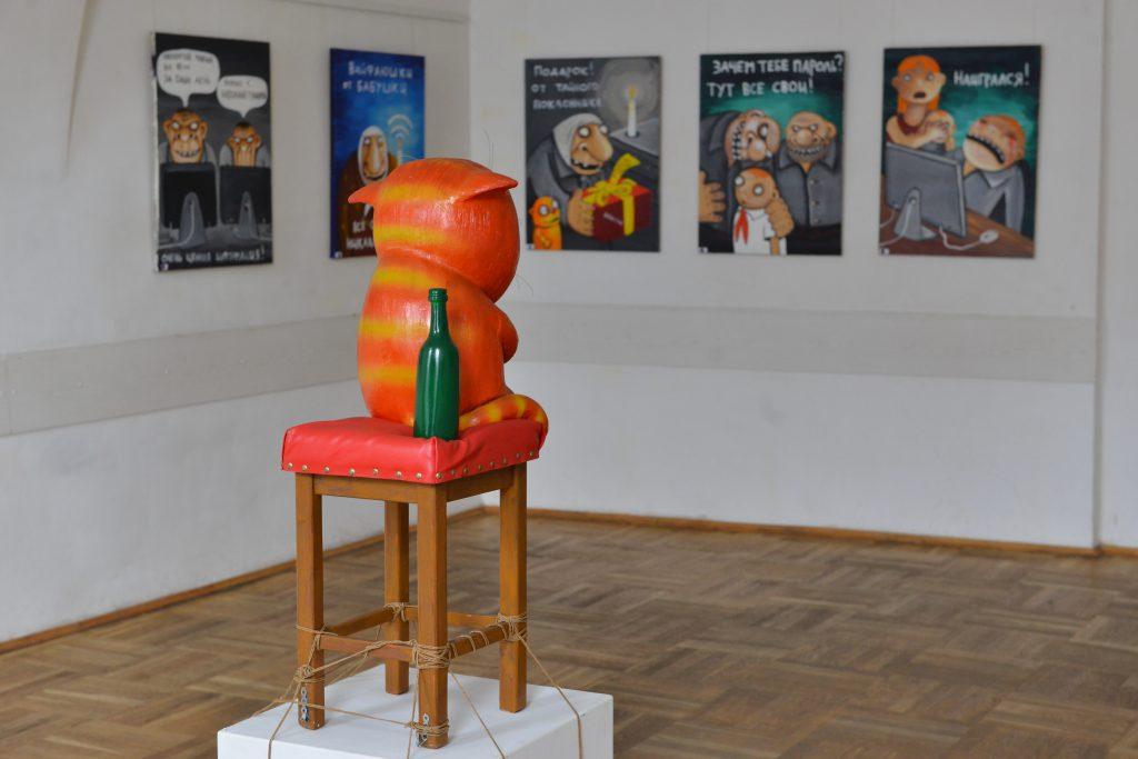 На выставке Васи Ложкина