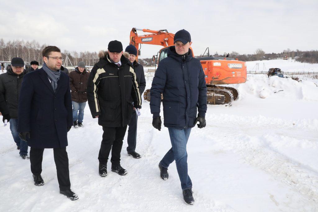 Депутаты Госдумы и представители регионального правительства обсудили проблемы долгостроев и обманутых дольщиков