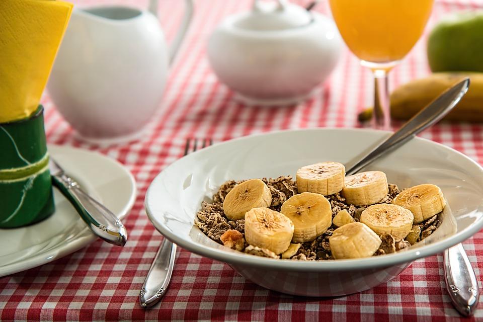 Какие продукты вредно есть на завтрак
