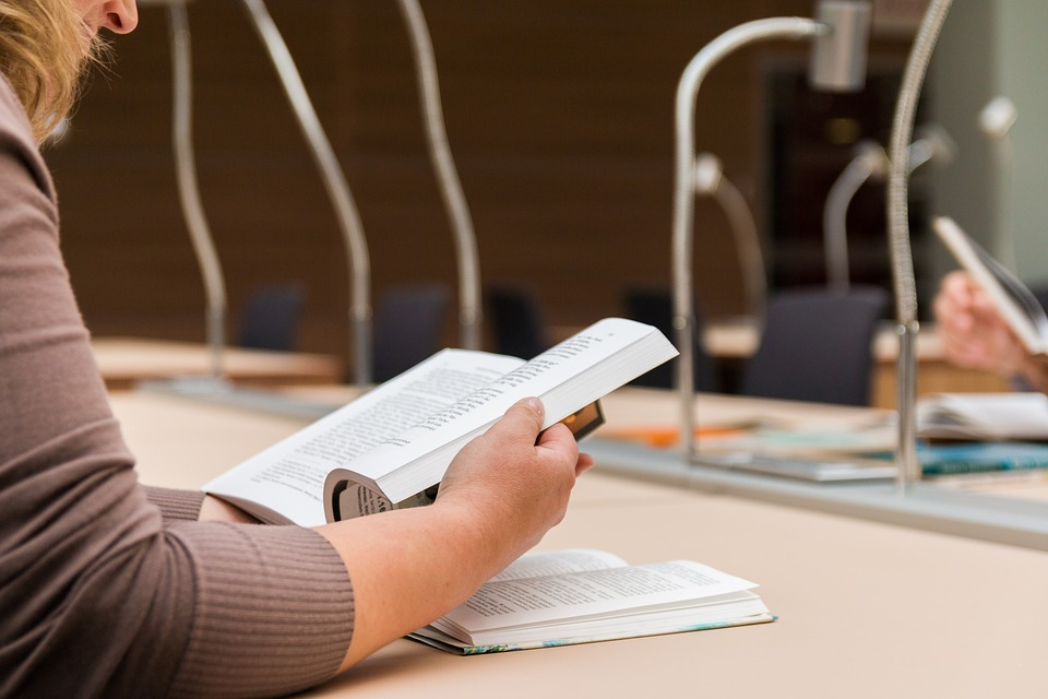 Нижегородцы смогут купить собрания сочинений литературных классиков со скидкой 40%