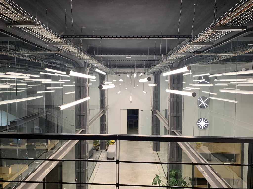 Андрей Тубольцев: «Мы хотели создать световую инсталляцию на пакгаузы, чтобы они не стояли, как огромное черное пятно рядом с ярко освещенным стадионом»