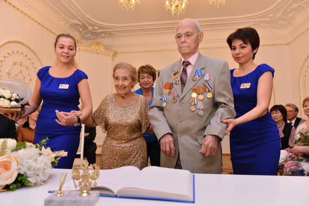 Нижегородская пара отметила «благородную свадьбу»