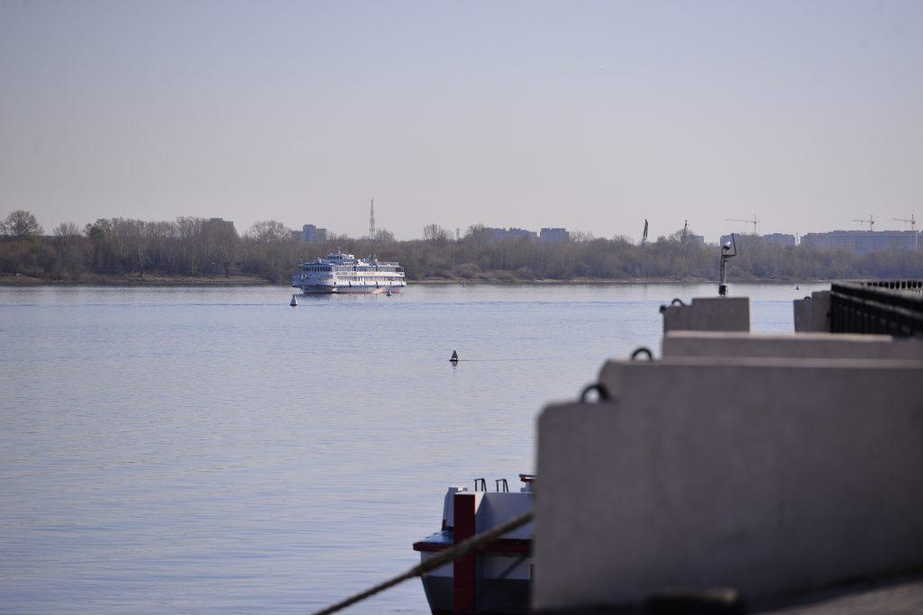Капитан нижегородского судна продал «налево» более 2 тысяч литров топлива