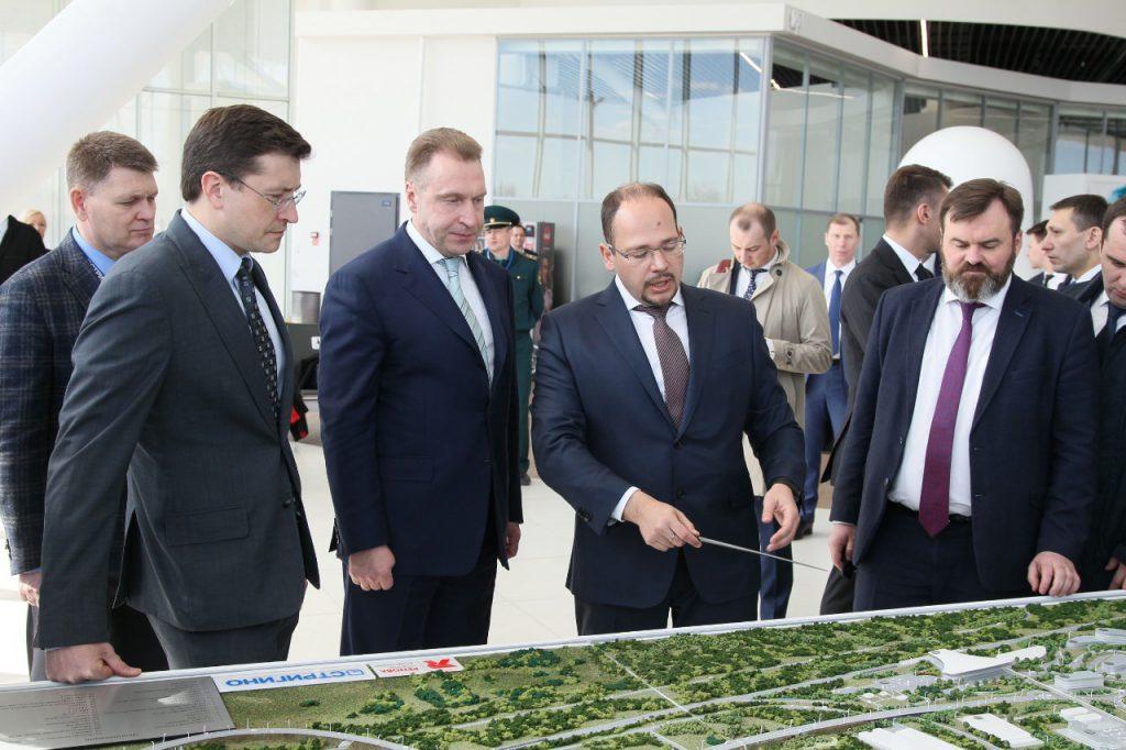 Глеб Никитин презентовал Игорю Шувалову проект Корпоративного университета повышения производительности труда