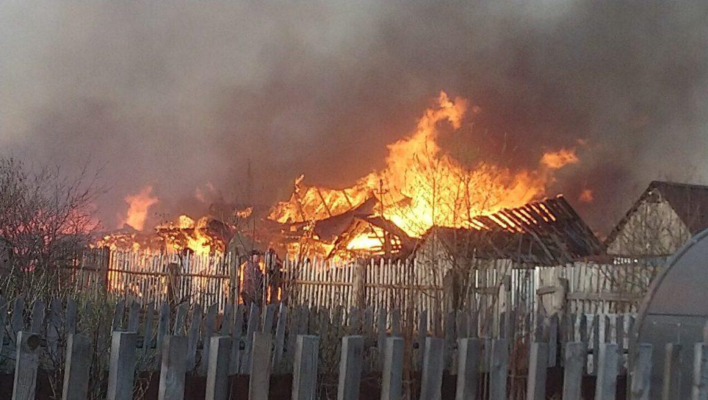 Два нижегородца погибли на пожаре в квартире
