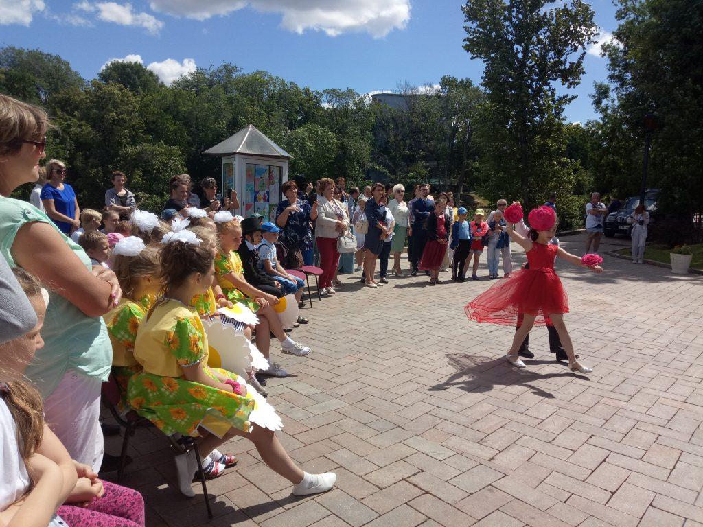 Праздник цветов, посвящённый Году Театра, открылся в Нижегородском кремле