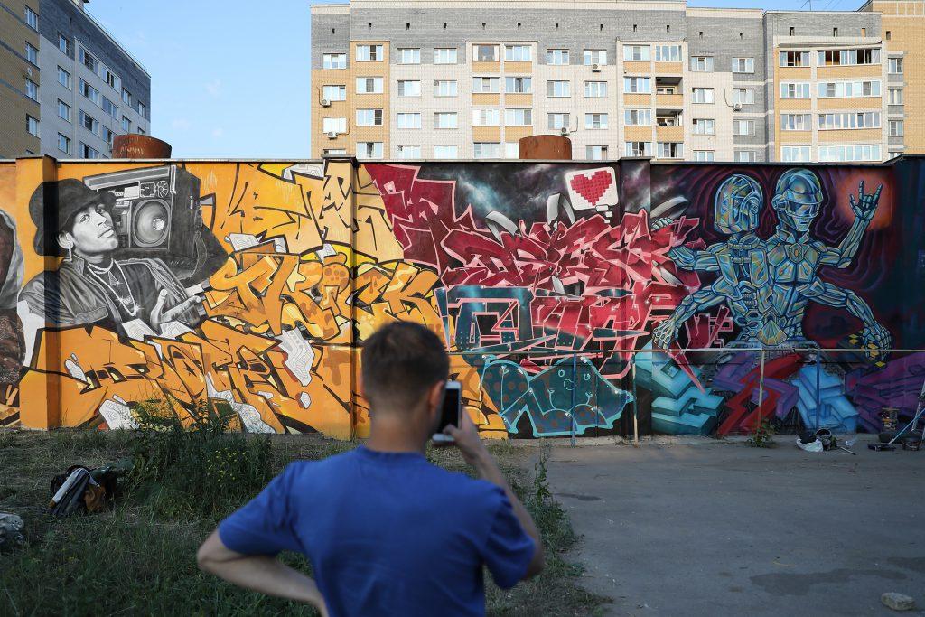 Портреты известных рэперов увековечили стрит-арт художники в Нижнем Новгороде
