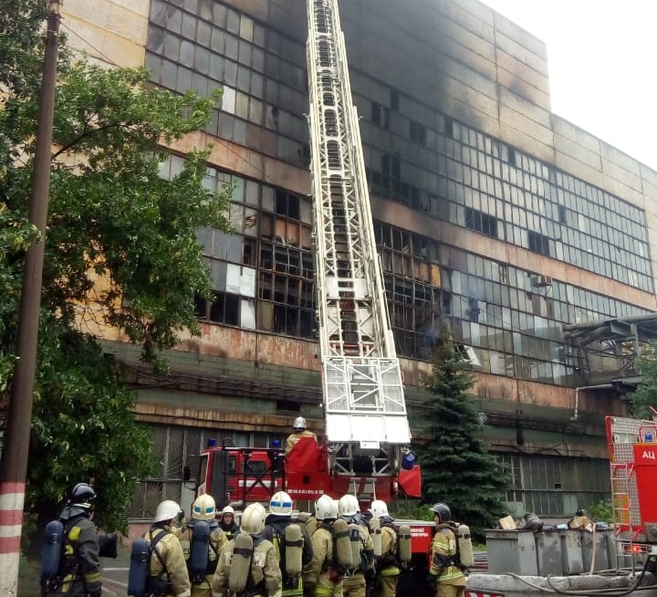 «ГАЗ» сообщил о предварительных причинах возгорания на заводе (ОБНОВЛЕНИЕ 15:44)