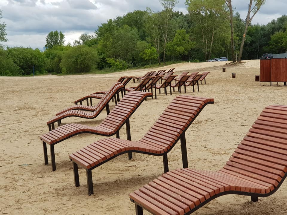 «Обратите внимание на великолепный вид». Владимир Панов показал новый благоустроенный пляж