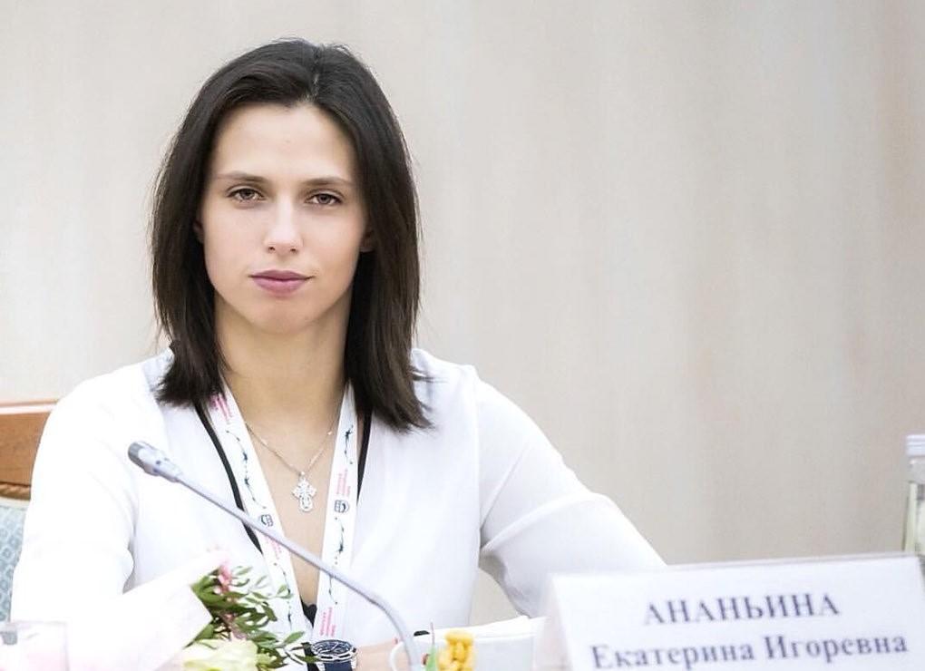 Нижегородская спортсменка запускает первый в истории YouTube-канал о хоккее от женского лица