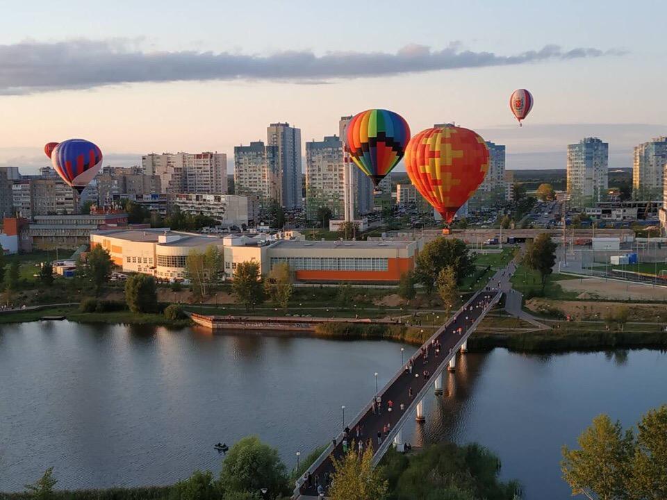 Это было круто! Караван из воздушных шаров пролетел над Нижним Новгородом
