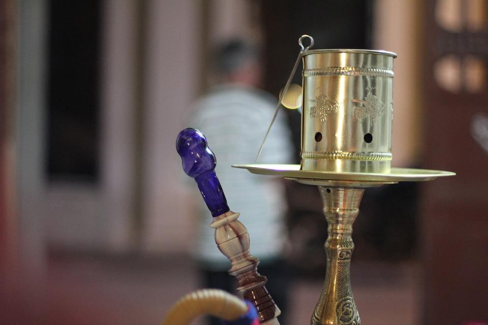 Глеб Никитин запретил курение кальянов в общественных местах
