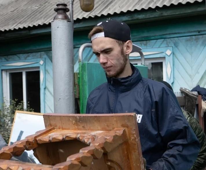 19-летний нижегородец рассказал, как работал волонтером в затопленной Иркутской области