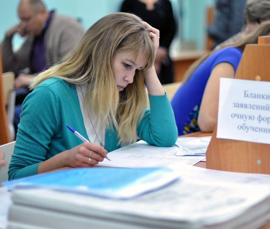 В нижегородских вузах рассказали, сколько стоит обучение и как формируется цена за семестр